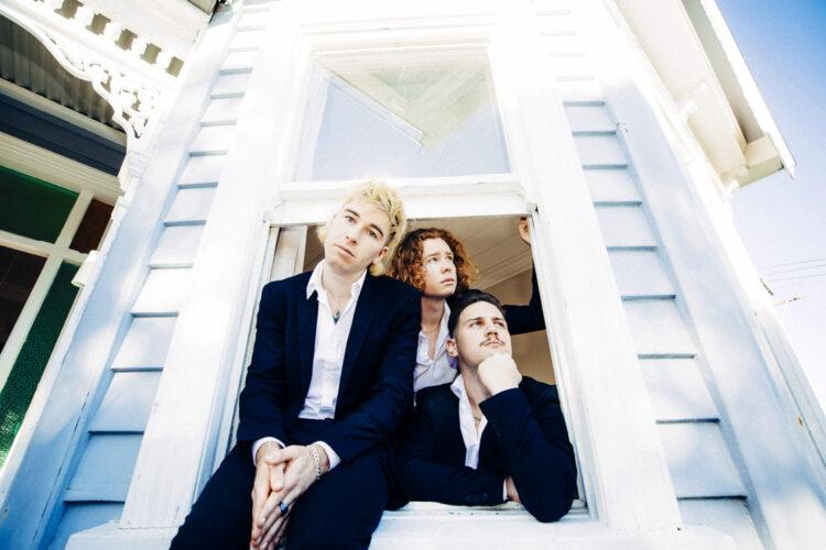 Indie-Pop Hymnen vom anderen Ende der Welt: LA Women veröffentlichen ihre Single « Falling In Love »